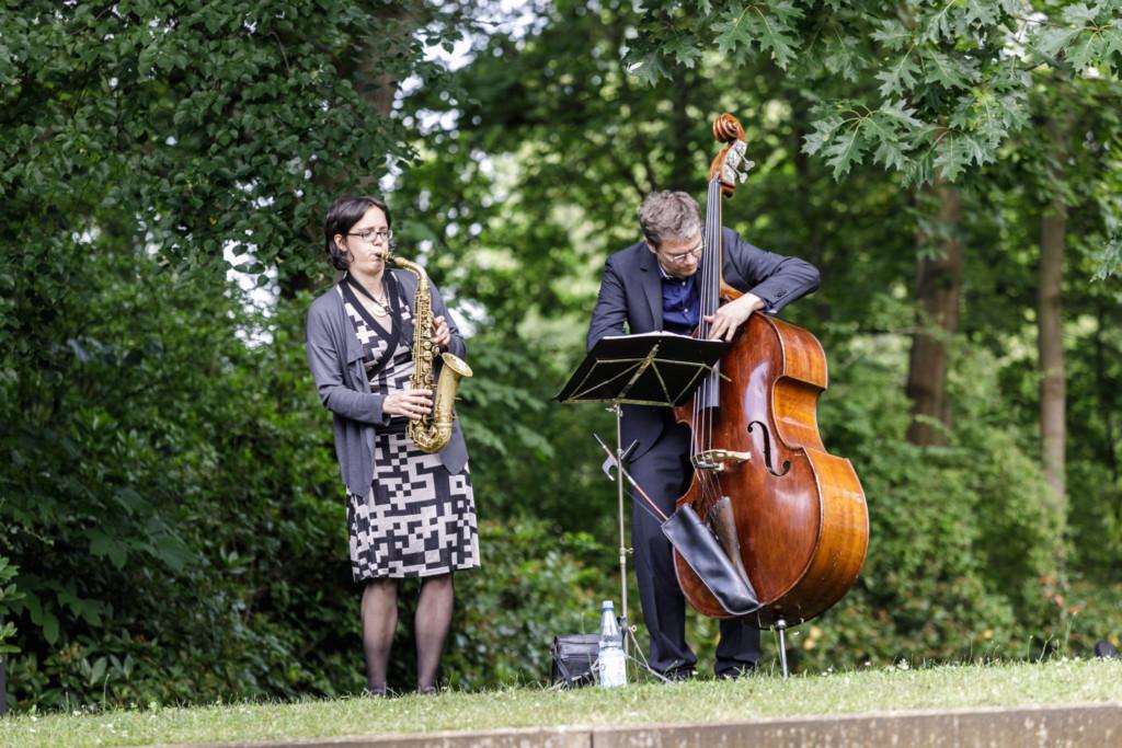 Jazzduo Saxophon und Kontrabass bei einem Event in Berlin Dahlem