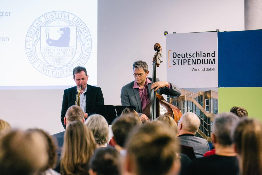 Jazzband bei einer Preisverleihung in Dahlem