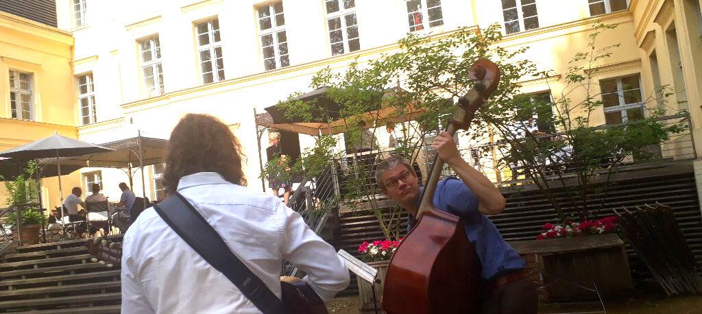 Jazztrio bei einer Hochzeit auf Schloss Steinhöfel in Brandenburg